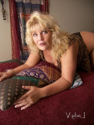 Lucila outcall escorts in North Aurora