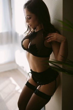 Feiza escorts services