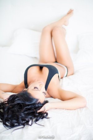 Marie-sylvie sex party & escorts service