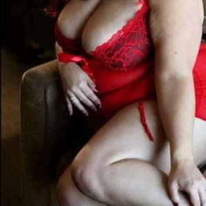 Mary-kate outcall escort