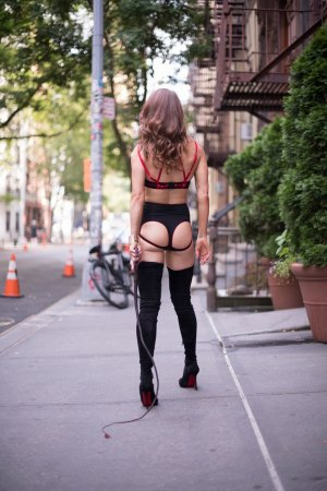 Anne-gaele escort in Cleveland