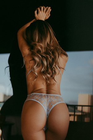Gladys escort in Elgin Texas & sex party